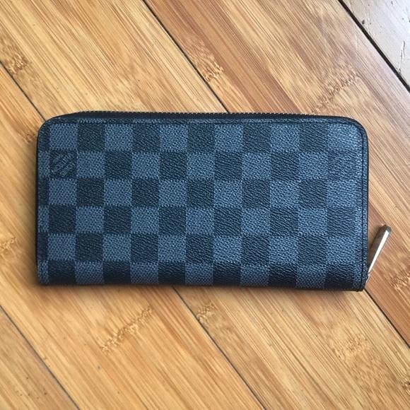 Louis Vuitton Handbags - Louis Vuitton Damier Graphite Zippy Wallet